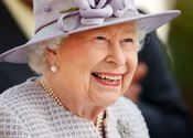 Main thumb queen elizabeth ii attends qicpo british champions day at news photo 1604138776.