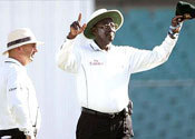 Main thumb umpire